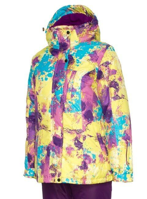 Женский зимний костюм: какой вид выбрать для зимнего отдыха