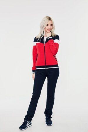 Красный женский спортивный костюм